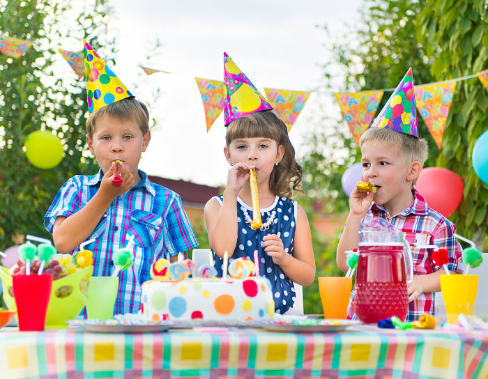 backyard kids party