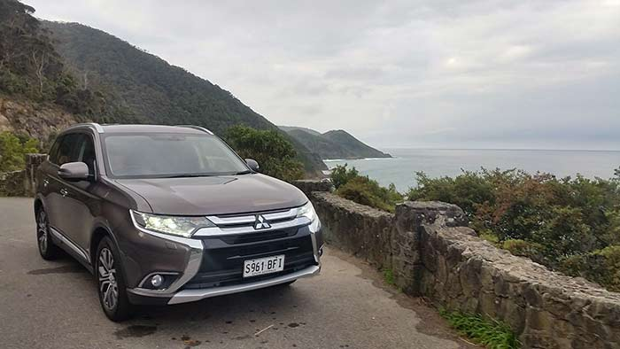 2016-Mitsubishi-Outlander-Great-Ocean-Road-2