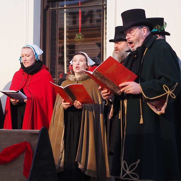 Sovereign-Hill-Carolers