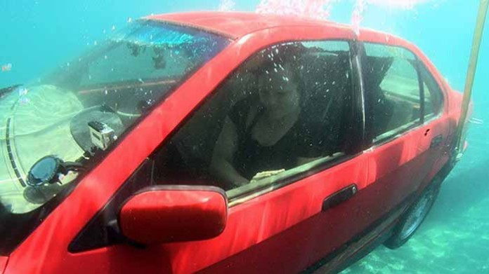 how-to-escape-a-sinking-car