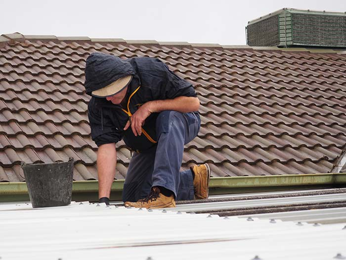 HiPages-Plumber-Roof