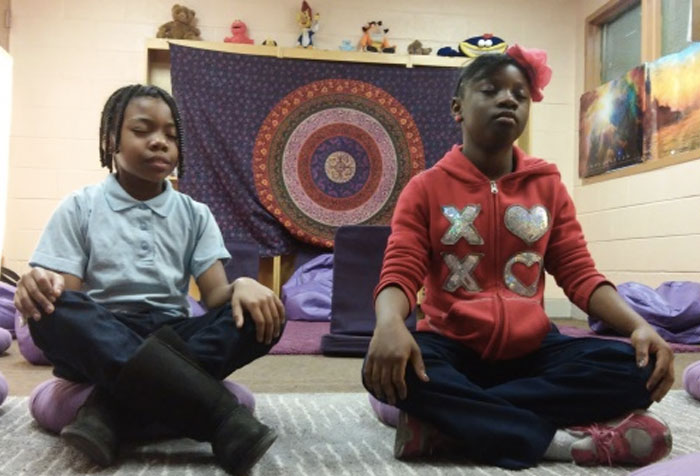 school-children-meditating