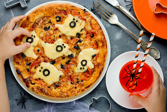 cheesy-ghoul-pizza-halloween