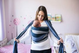 babywearing-with-newborn