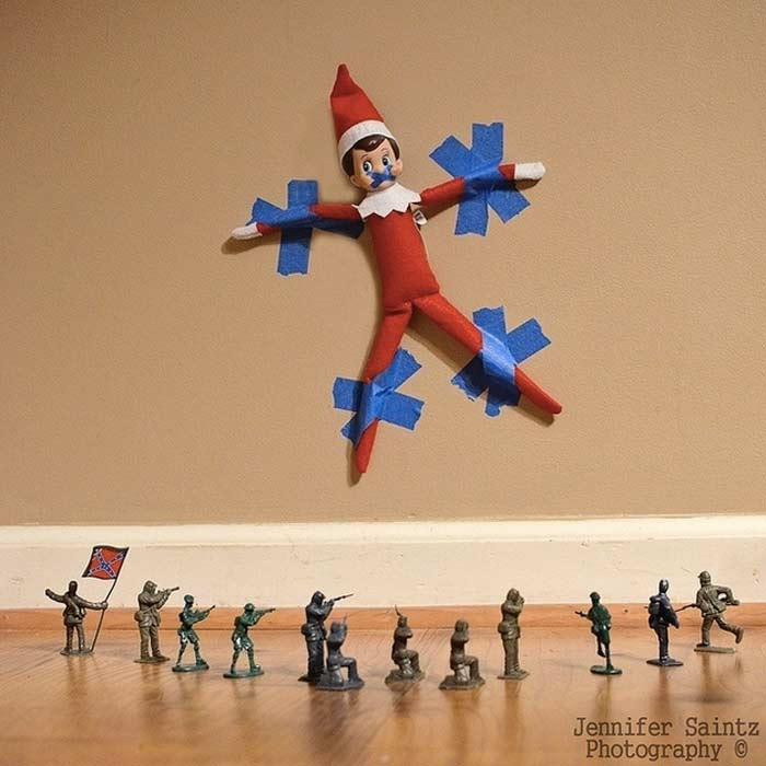 elf-on-the-shelf-captured