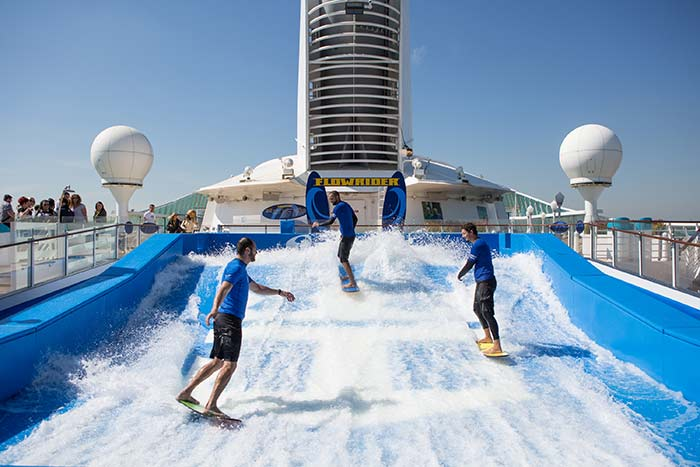 family-cruising-flowrider