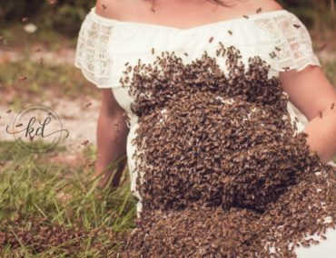 Check Out This Bee-autiful Maternity Photo Shoot