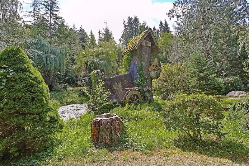 gardens of Snow White's cottage for sale