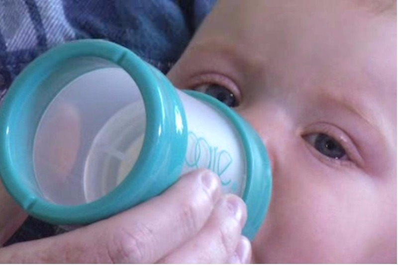 Bare Air-free baby bottle