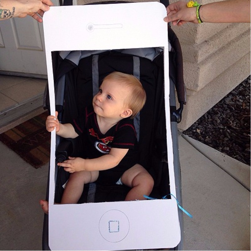 iPhone baby pram costume