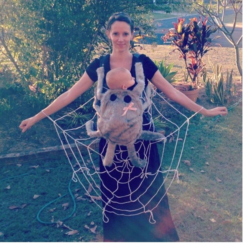 spider mum and baby dress up Halloween