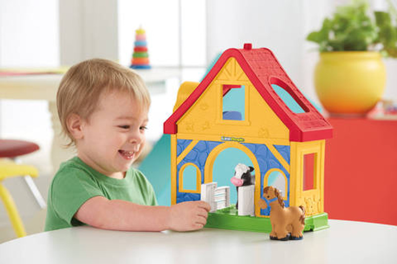 Fisher Price Little People Farmhouse - little kids Christmas Gift Guide 2017