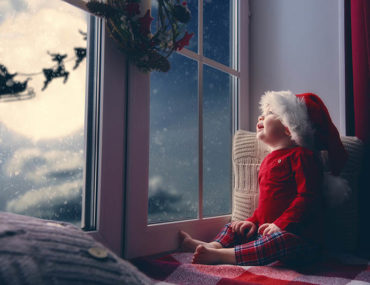 easy ways t make Christmas magic for kids