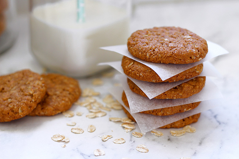 Anzac biscuits recipe - lunch box ideas
