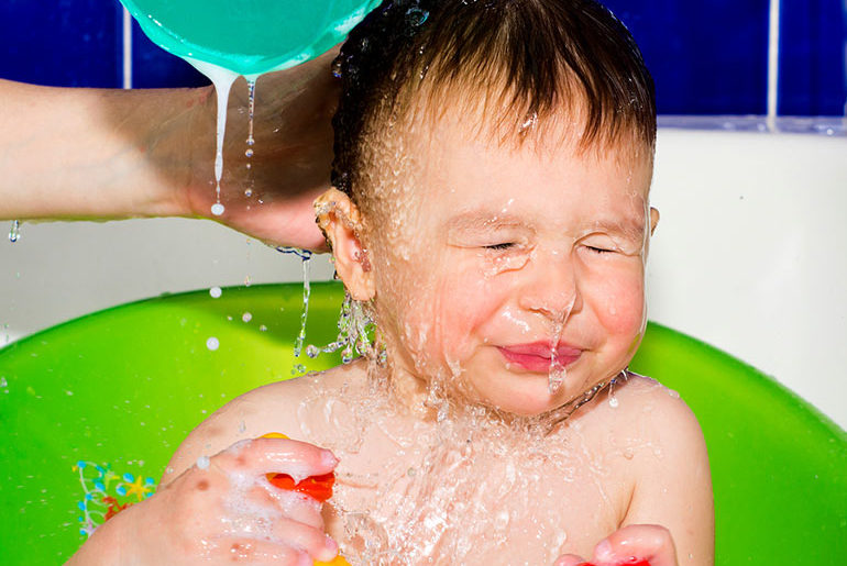 clever baby bath time hack