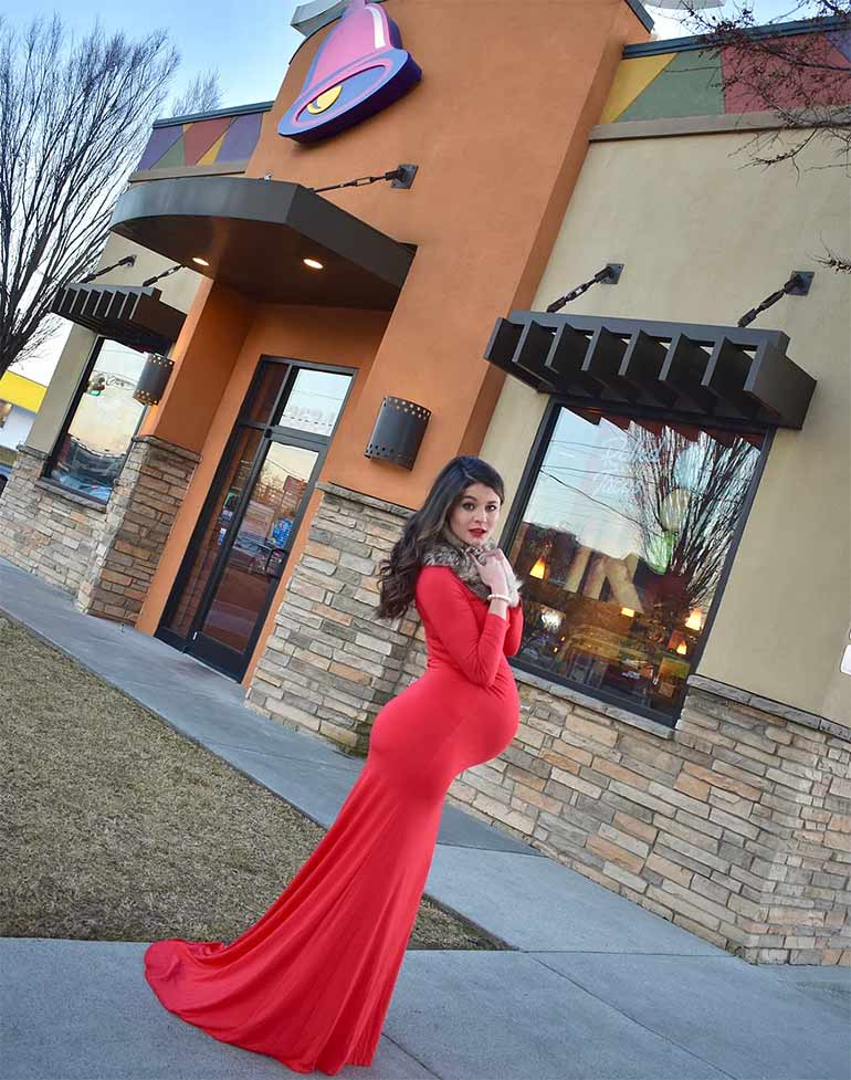 Kristin Johnston Taco Bell pregnancy photo shoot
