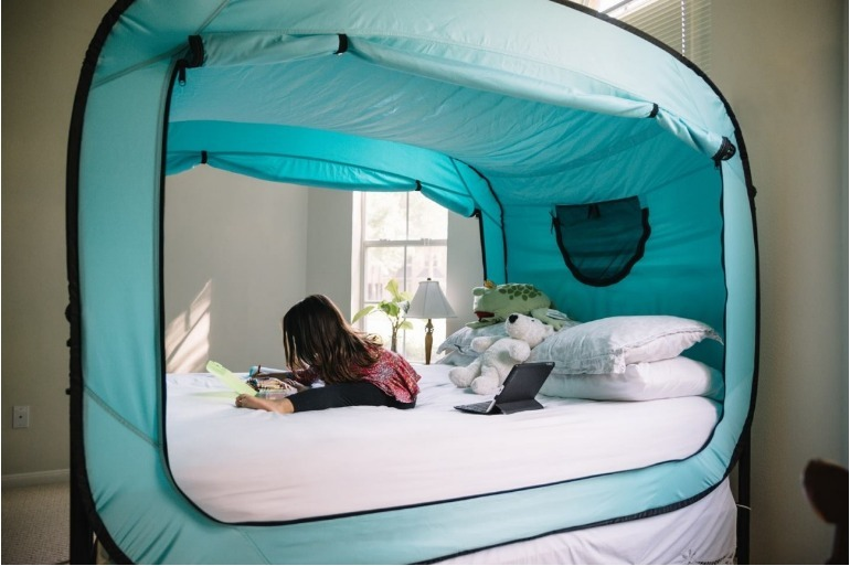 pop-up bed tent & Parents Swear This Weird Pop-Up Bed Tent Keep Kids in Their Own Beds ...