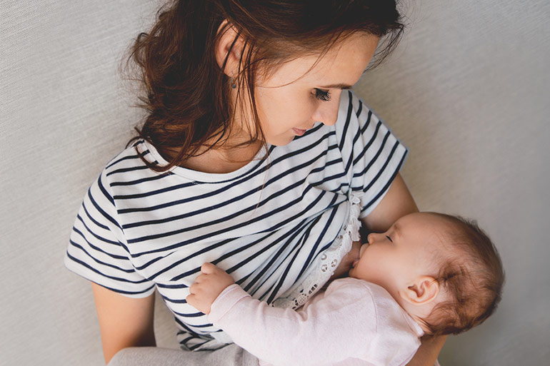 flashing while breastfeeding sometimes happens to mums