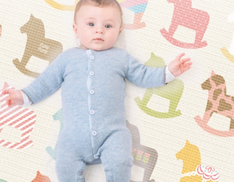 Silky Prime Wooden Pony playmat for baby
