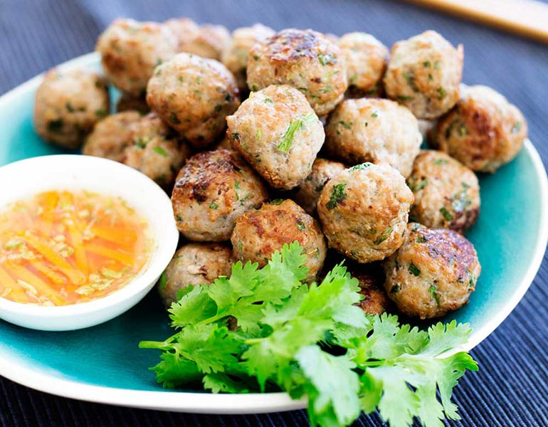 Thai pork meatballs - one handed eats