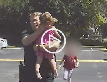 video cop saves child hot car