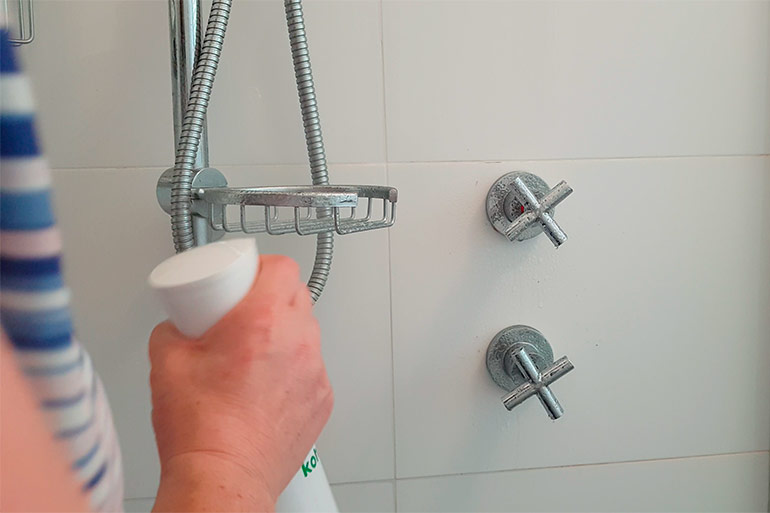 koh-bathroom-cleaner-taps