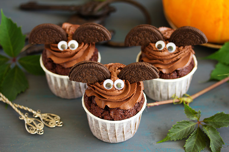 bat Halloween cupcakes recipe