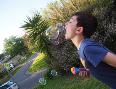 edible bubbles lick-a-bubble