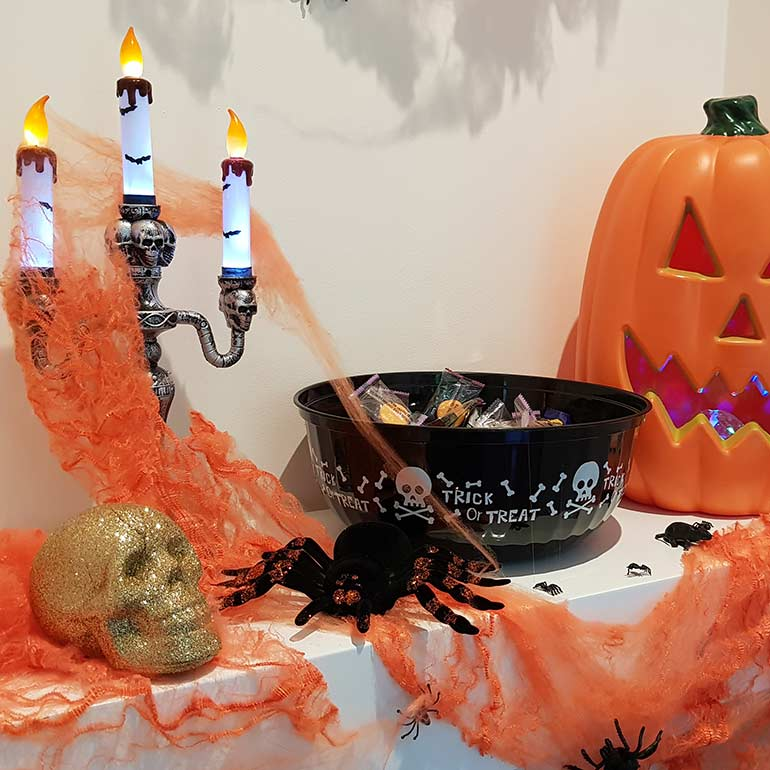 woolworths-halloween-decorations-pumpkin-table