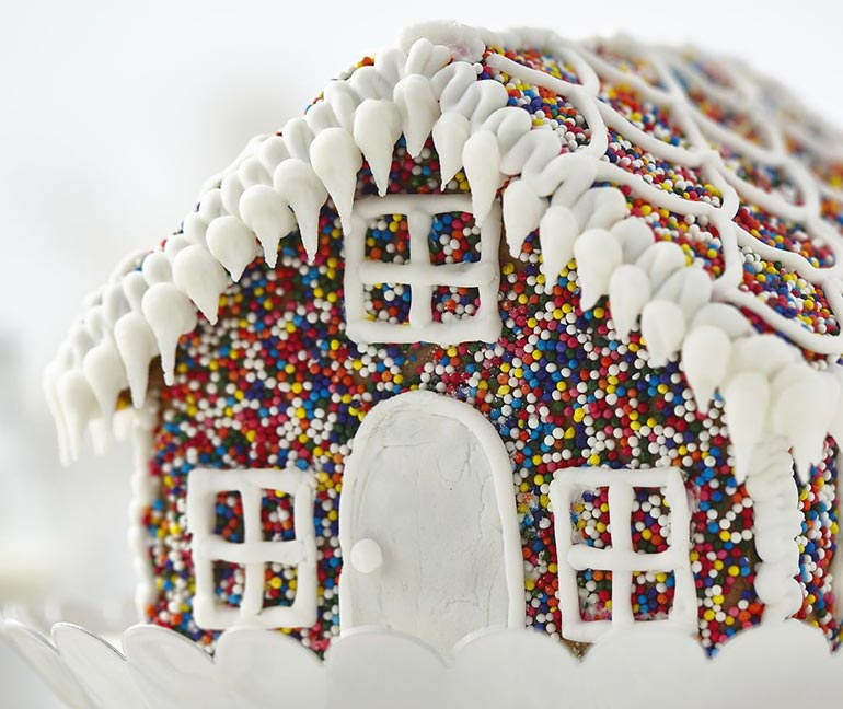 hundreds and thousands gingerbread house