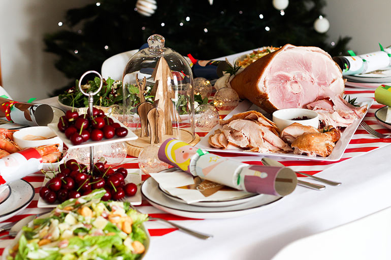 Woolworths Grab and Go no cook Christmas lunch, table setting