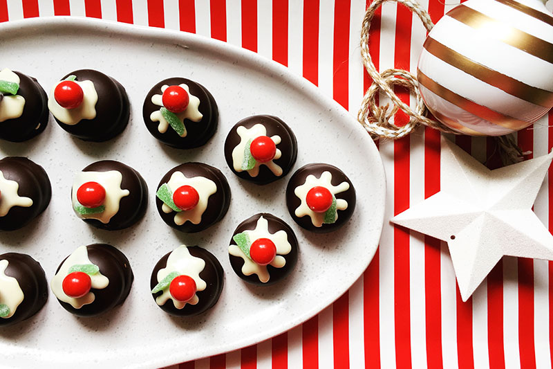 Mini Christmas pudding biscuit recipe