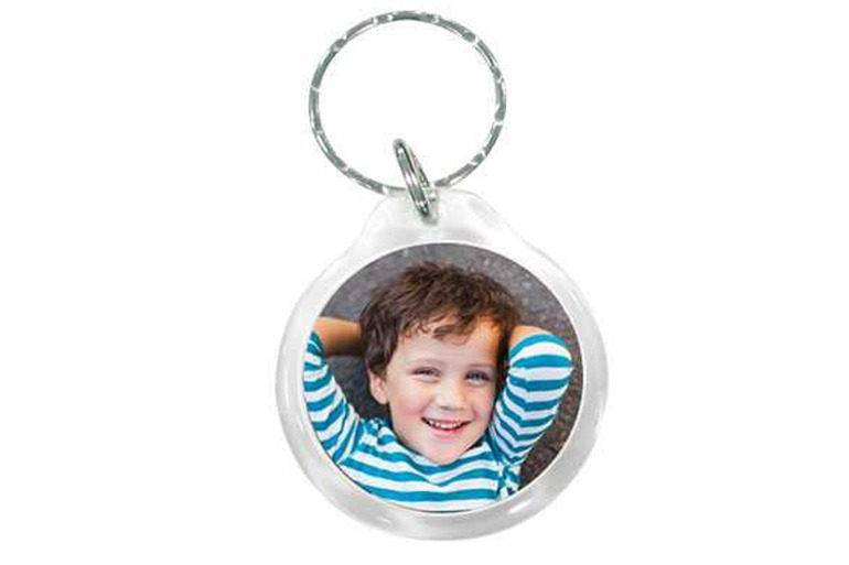 school hacks - school bag photo keyring