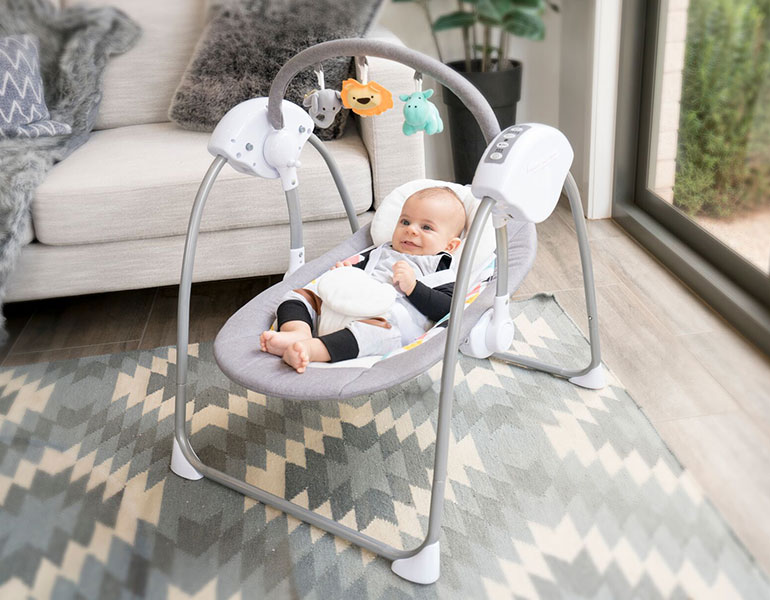 pregnancy month giveaway. Nesso mini swing, baby