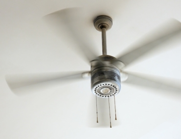 ceiling fan cleaning hack