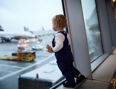 child-at-airport