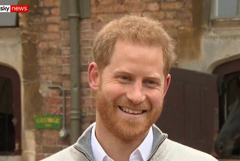 prince harry announces birth of royal baby
