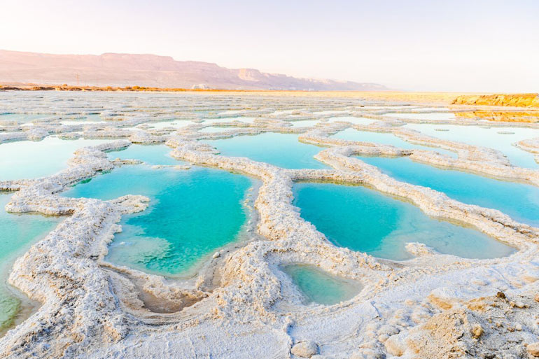 Dead Sea magnesium pool