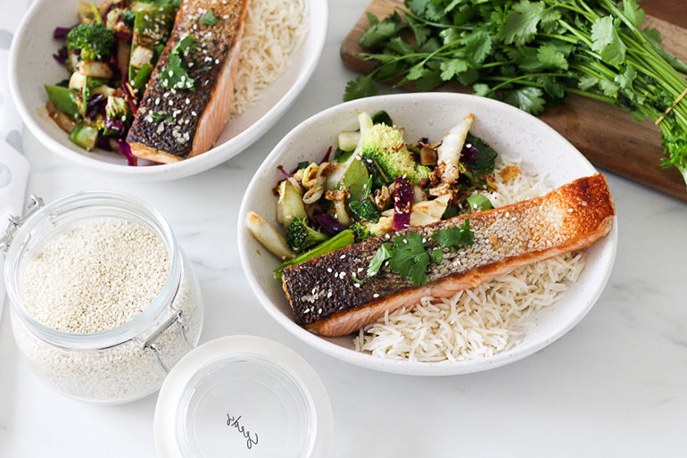 Asian style salmon bowl