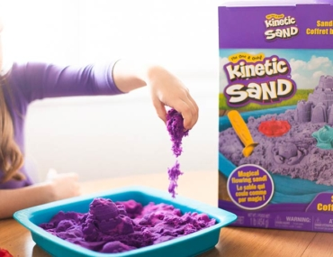 kinetic-sand-in motion