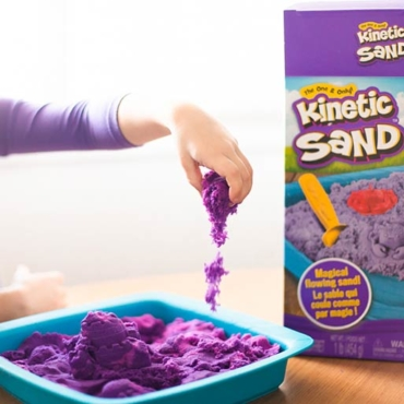 REVIEW: Kinetic Sand for Magical, MESS-FREE Sensory Play