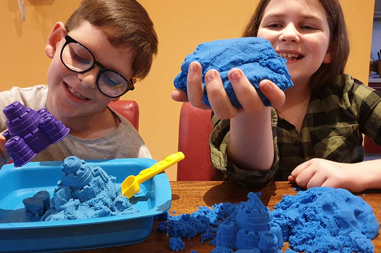 kinetic-sand-kids-fun