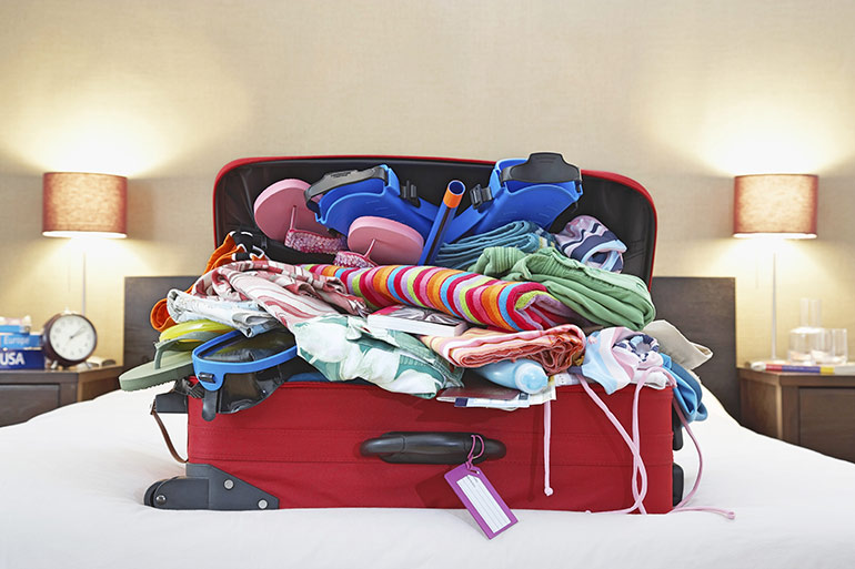 family travel luggage tip