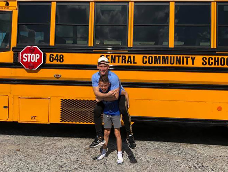Noah and Max Tingle - the bus stop brothers