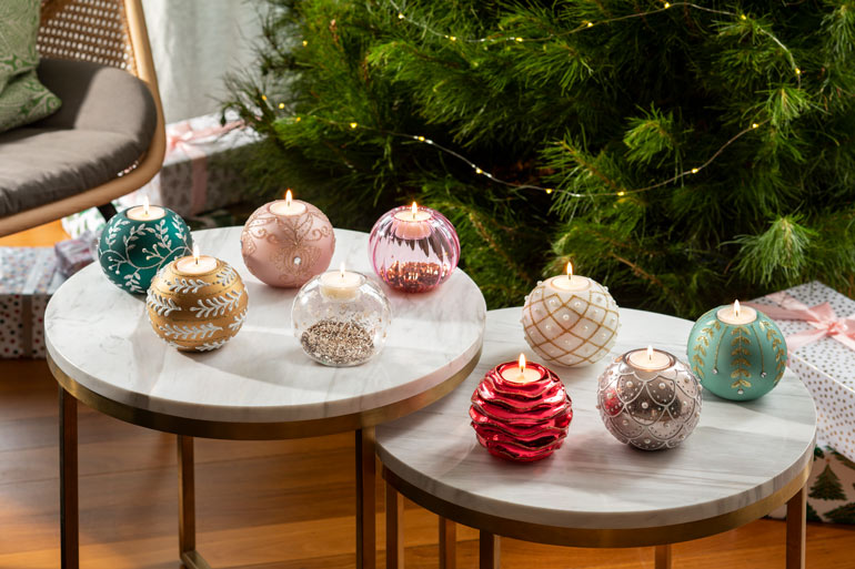 dusk Christmas bauble candles