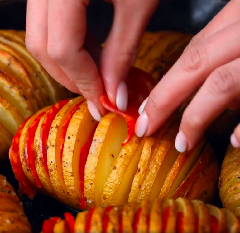 pizza hasselback potatoes