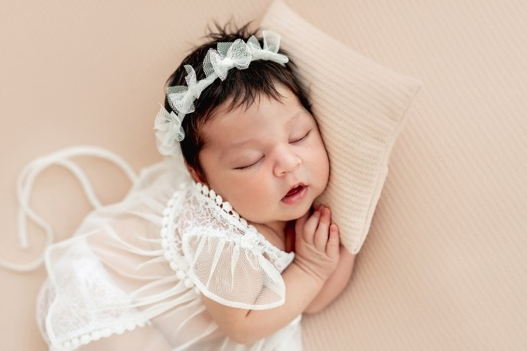 three letter baby names - baby girl