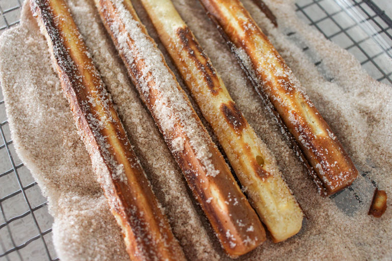 churros and chocolate dipping sauce