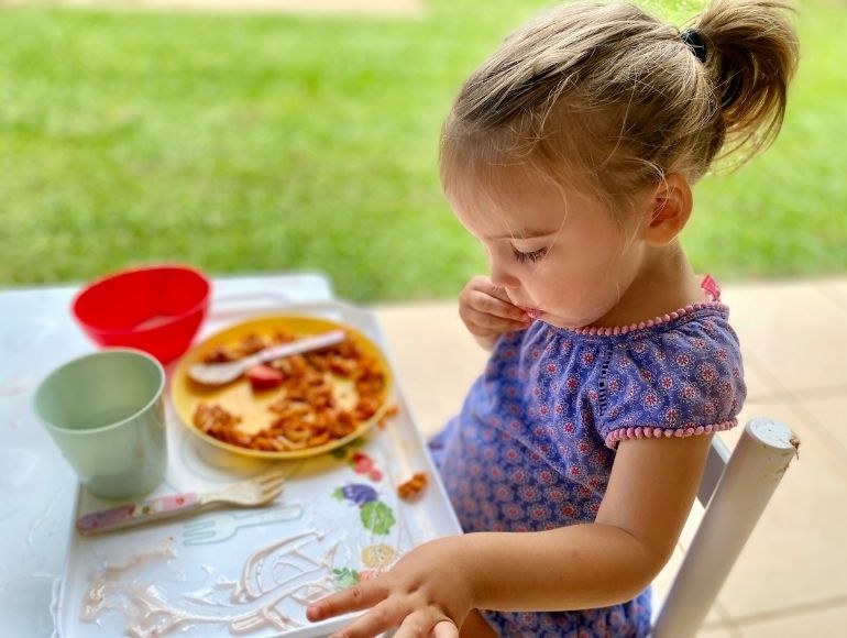 Toddler Messy Tray - Lily
