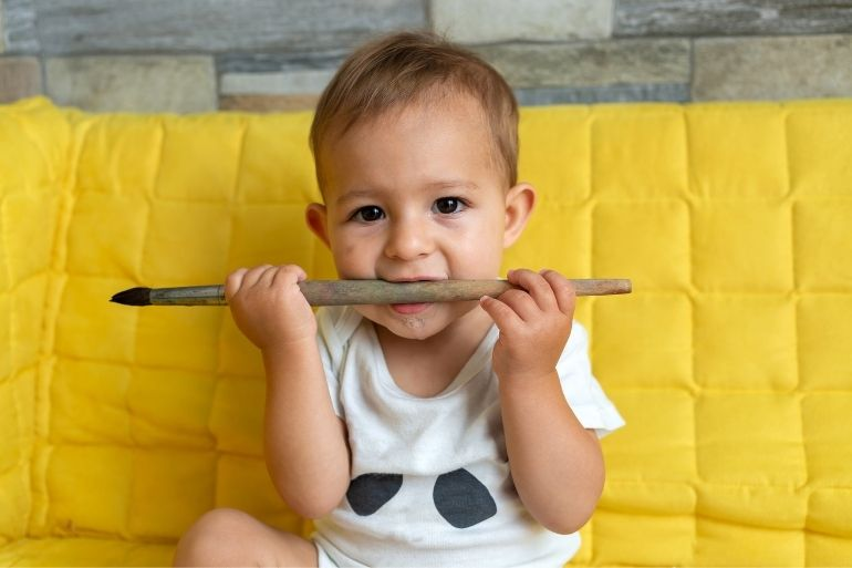Many ways to ease teething pain in babies and toddlers